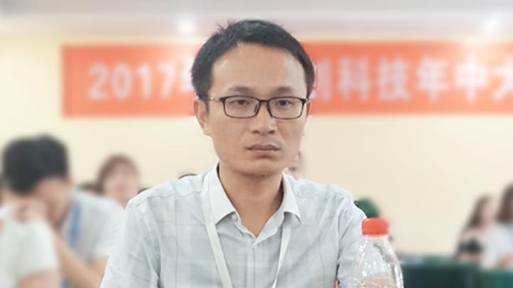 闪创科技总裁梁辉先生致开幕词